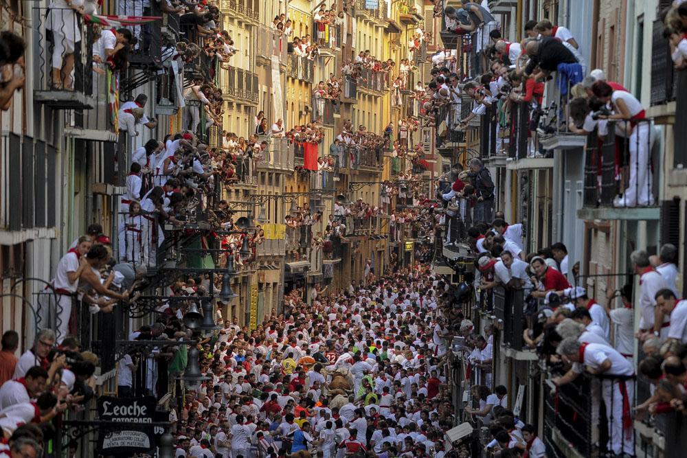 San Fermín. Colgados por la Pasión.